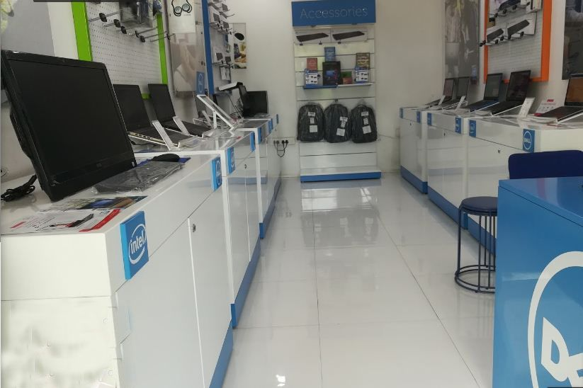 Dell laptop service center in Janakpuri District Center