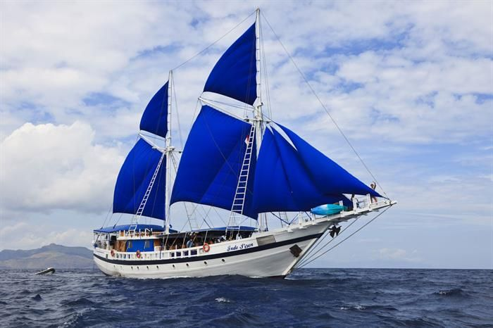 Luxury Yacht Charter in Indonesia