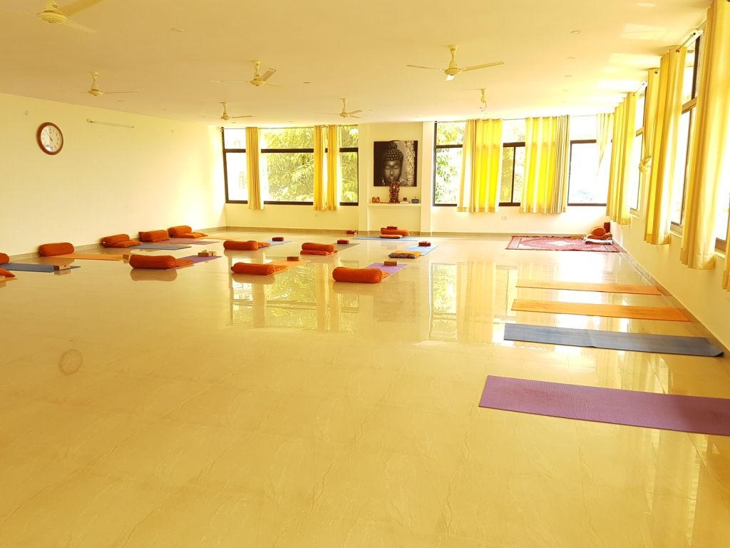500 Hour Vinyasa Yoga Teacher Training Course in Rishikesh India