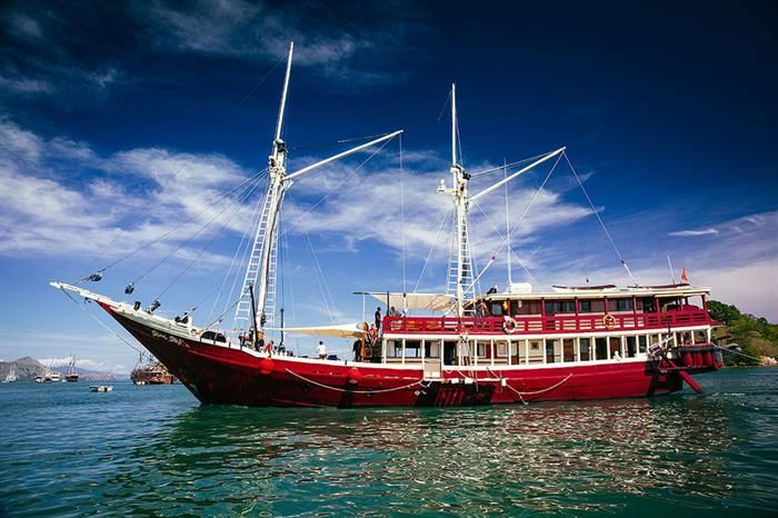 Indonesia Liveaboard Diving Holidays